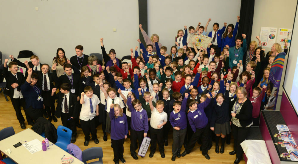 Plymouth Primary School Students Trade Desks For Finance